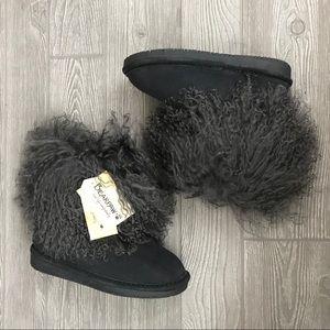 NWT bearpaw faux fur booties